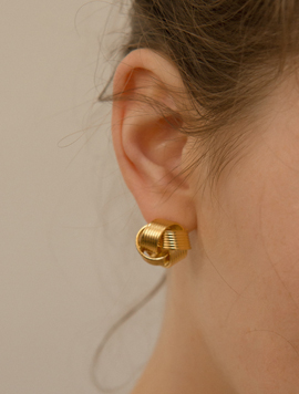 Folding Flower Earring