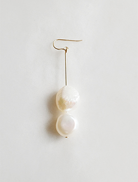 Long Natural Pearl Earring