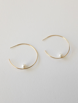 14k gold One Point Pearl Earring