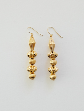 Long Pleats Ball Earring