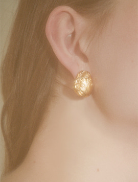 Tulip Simple Post Earring