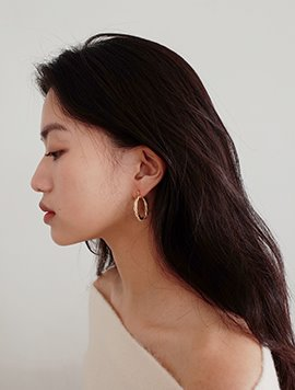 Bold Twist Earring