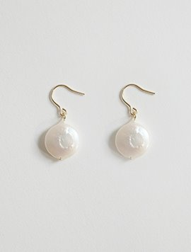 Round Pearl Earring