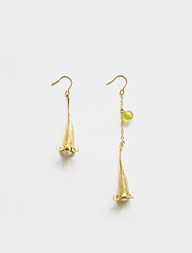 Dewy Flower Earring