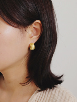 Classic Pattern Ring Earring