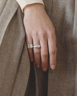 Diagonal Ring M size - Silver