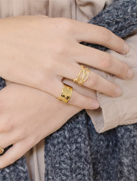 Large Wave Ring - Gold